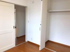 宇土 Y様邸 2F 右手前部屋 入口扉開き状態