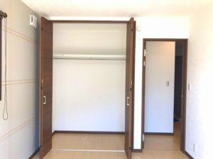 益城町 T様邸 平屋  右奥洋室 クローゼット・入口扉開き