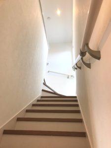 良町モデル1 階段